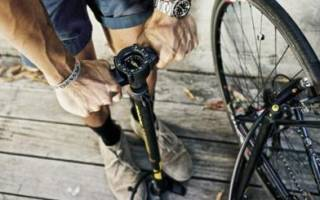 Как накачать шины велосипеда
