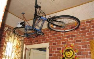 Как подвесить велосипед к потолку
